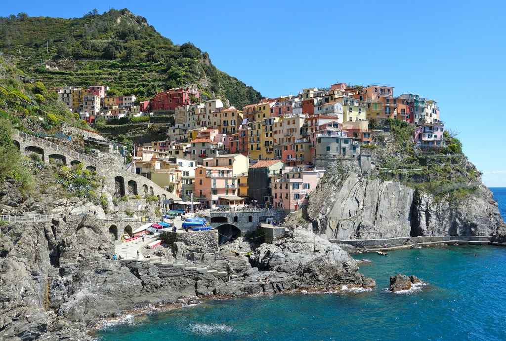 THE CINQUE TERRE TOWNS